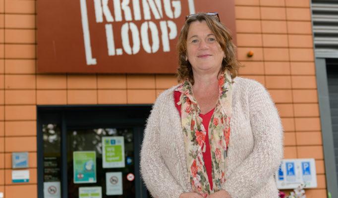 Riet Lenting van de Kringloopwinkel Zeist aan de Johannes Postlaan